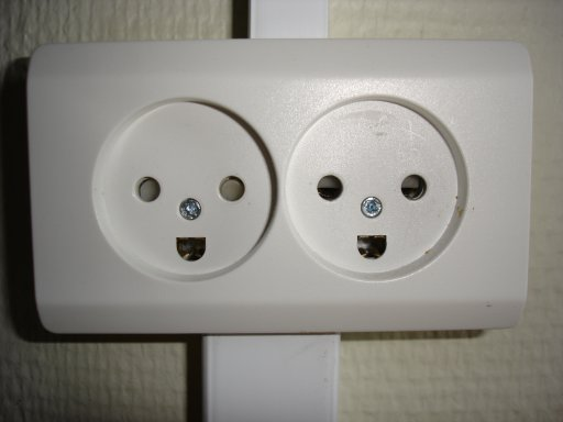 happy danish sockets 1