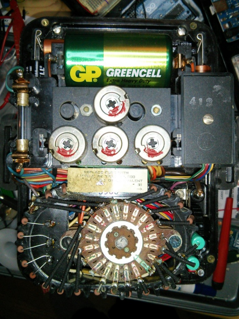 The guts of a Simpson Canada 635