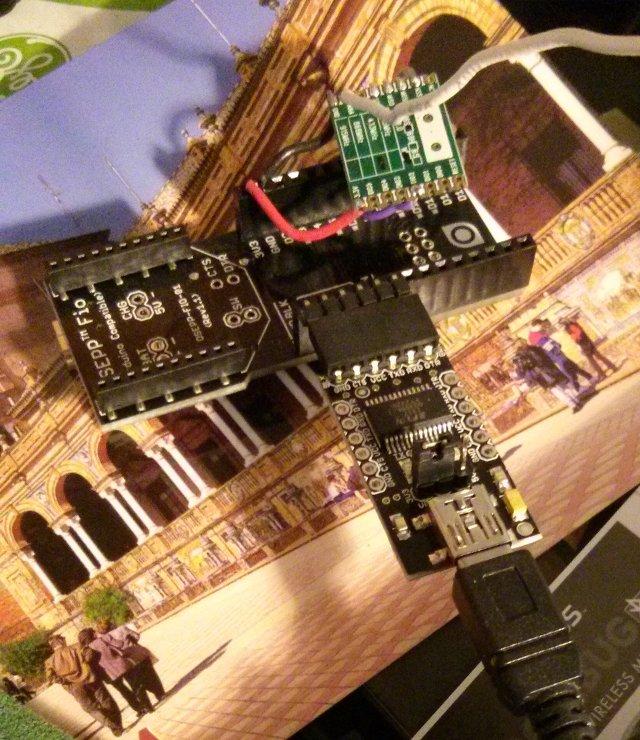Arduino FIO compatible + RFM69W board + FTDI serial