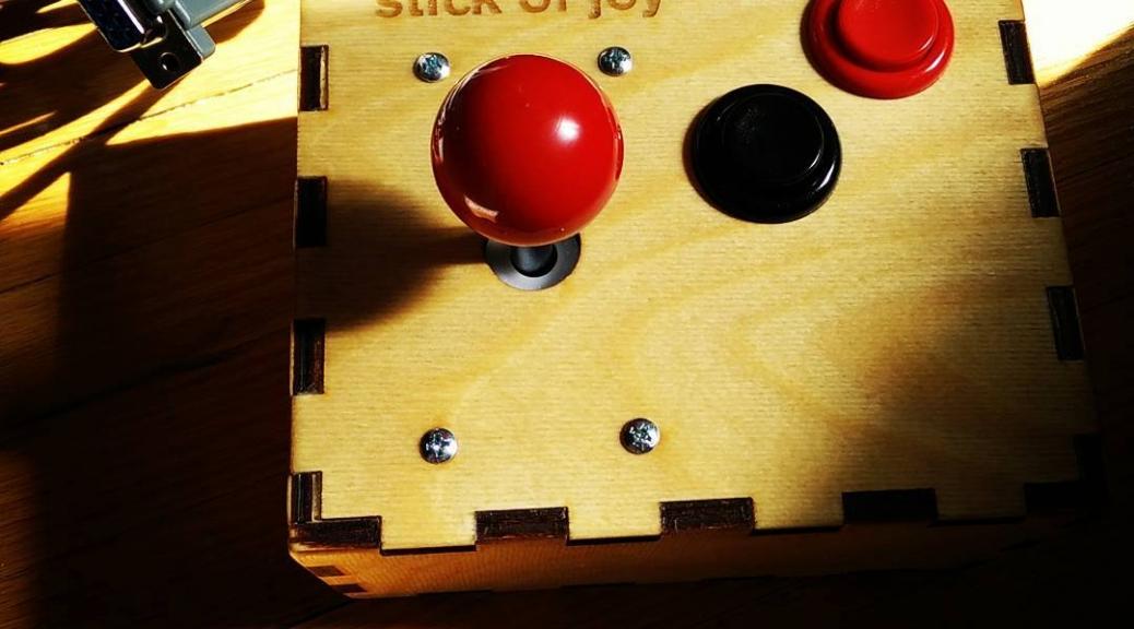 Not-even-remotely over-engineered retrogaming joystick