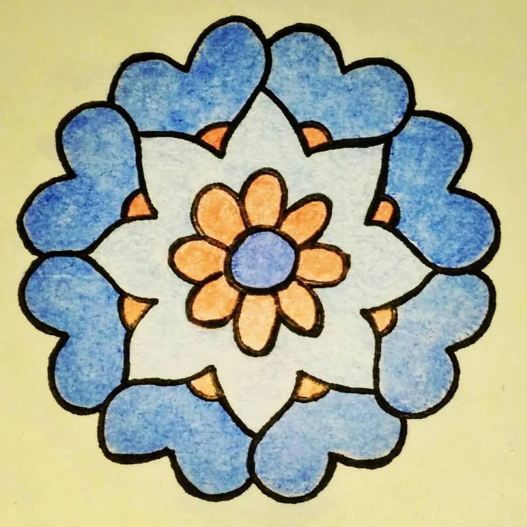 "8x U+2764 ""Heavy Black Heart"" makes a 15th century Iznik (Turkey) floral design"