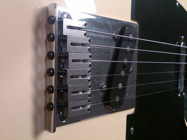 No-drill tremolo arm options for an American Standard Fender