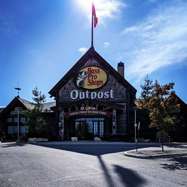 The Bass Pro Shops (home-)School of Architecture